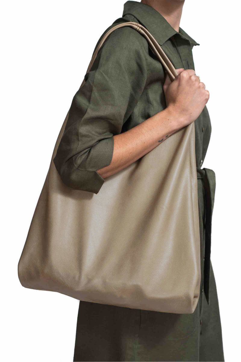Casey-nude-leather-bag-large-sac-style-made-in-South-Africa-genuine-leather-lifestyle